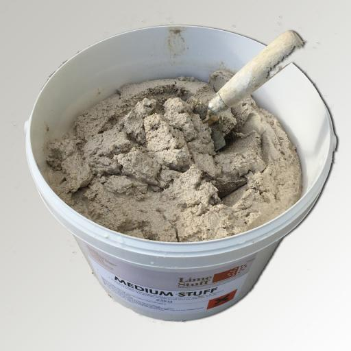Non Hydraulic Lime Render - Medium Stuff