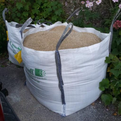 Sharp washed sand in bulk bags